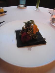 Les Beignets d'Herbes, de Patate Douce, de Betterave et de Feuille de Lotus