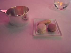 Coffee Sablés; Macaron Vanille; Macaron Chocolat; Raspberry Sugar Popcorn