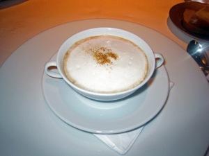 Velouté de Cèpe « comme un Cappuccino », Vapeur de Foie gras