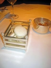 Petit Fours - Madeleines; Macarons aux Amandes et Chocolat; et Caramels fleur de Sel