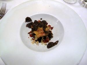 la Régalade - Ailerons de Volaille jaune des Landes, bouillon de Paimpol et truffe Noire