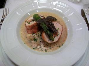la Régalade - Suprême de Volaille jaune des Landes, foie gras de Canard, truffe Noire et légumes d'hiver