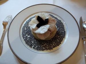 l'Ambroisie - Escalopines de bar à l'émincé d'artichaut, caviar oscietre gold