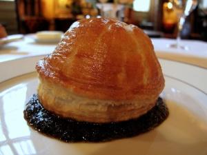 l'Ambroisie - Feuilleté de truffe fraîche 'bel humeur'