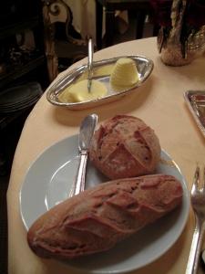 Lasserre - Les Pains: Baguette et pain bis