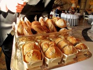 le Meurice - les Pains: Baguette; pain complet; pain au sarrasin; pain au levain; et pain aux céréales