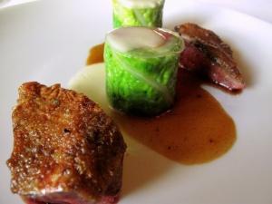 le Meurice - Poitrine de pigeon frottée aux baies de genièvre; Chartreuse modern de légumes d'hiver 2