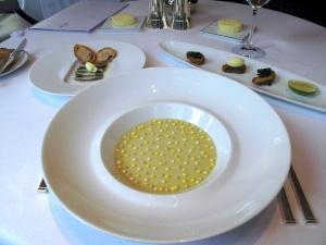 Le Pré Catelan - La Sardine: A l'huile, Capeaux de Beurre et Pain aux Olives; Sardine et persil plat frits; Gelée de Bouillabaisse, Sauce Rouille