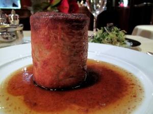 Michel Rostang - Le feuilleté chaud de truffe noire; epinards frais au foie gras de canard