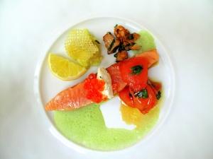 Stella Maris - Saumon Stella Maris, mi cuit sans peau, à l'huile d'olive, marmalade de tomate à la marjolaine