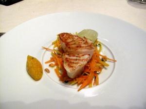 l'Astrance - Cabillaud, salade au carotte et cacahuètes