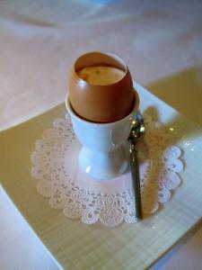 Manresa - Arpège farm egg