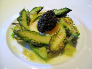 Manresa - Asparagus, both raw and uncooked, caviar