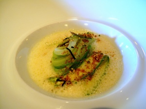 Manresa - Asparagus in bonito butter, toasted seeds