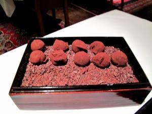 Manresa - Migniardises - Armagnac and tobacco truffle
