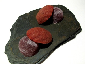 "Manresa - Petit Fours ""Strawberry-chocolate"""