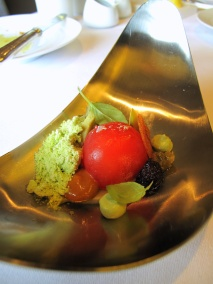 Oud Sluis - Amuse Bouche - Tomate, basilic, anchois et olives