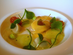 Oud Sluis - Huître de Zélande au concombre, artichaut et pourpier, vinaigrette de fleur de sureau