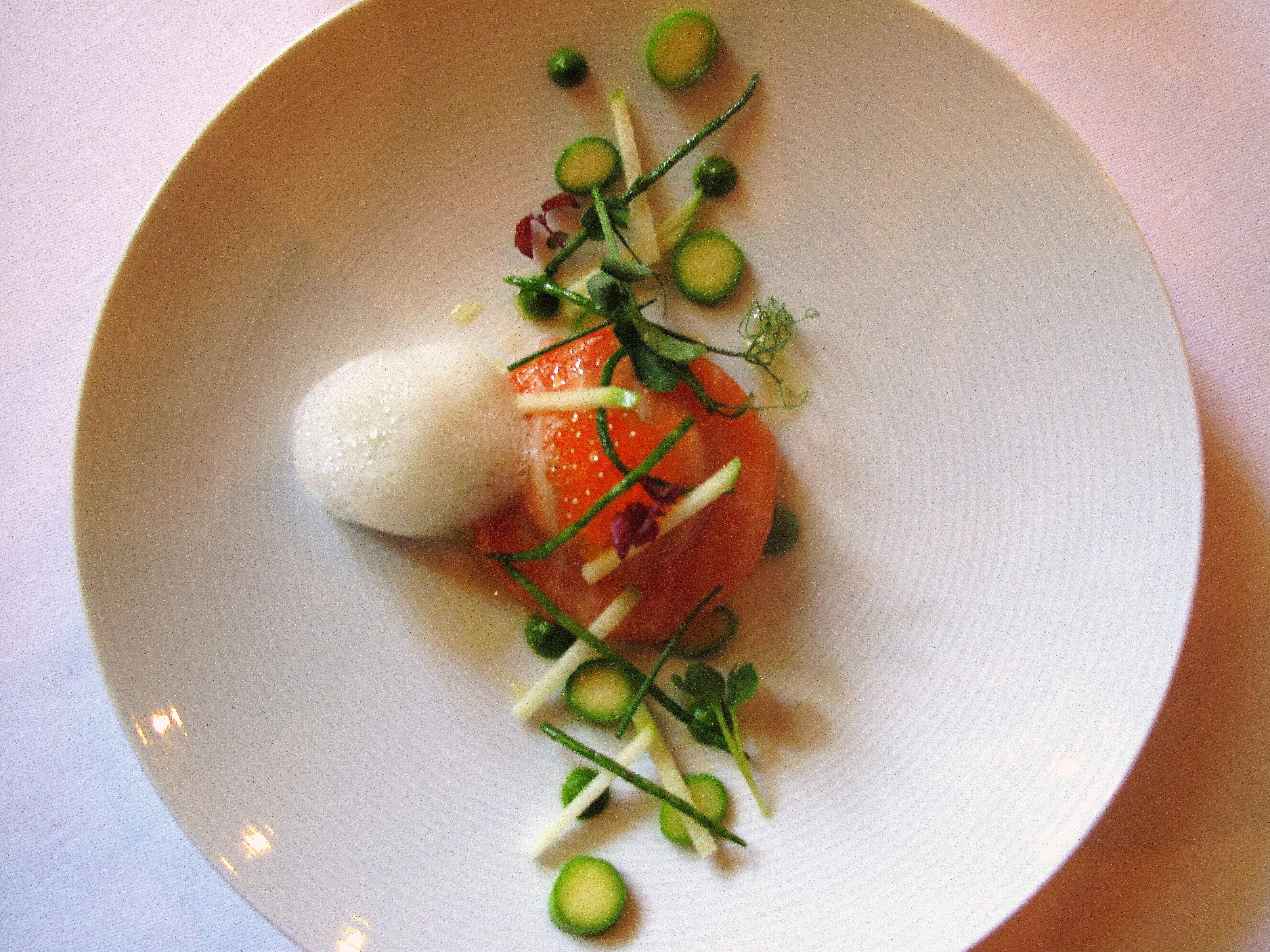 Victor 39 s gourmet restaurant schloss berg 90plus for Amuse bouche cuisine