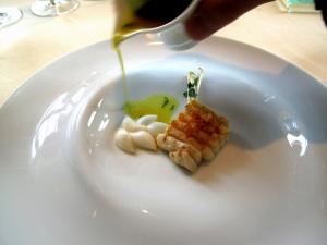 Vendôme - salziges Wasser; Rochen - Kurkuma; Koriandernage-  Reisgnocchi