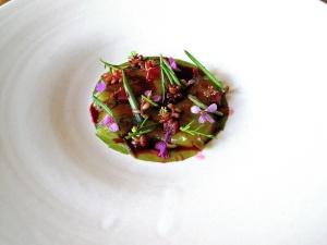 Noma - Rå rejer og tang; Rabarber og urter
