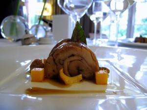 Pic - le Chevreau de la Drome; morceaux choisis confits longuement aux épices douces; mousseline d'oseille, fondant de kumquat au poivre Tifda - le Service