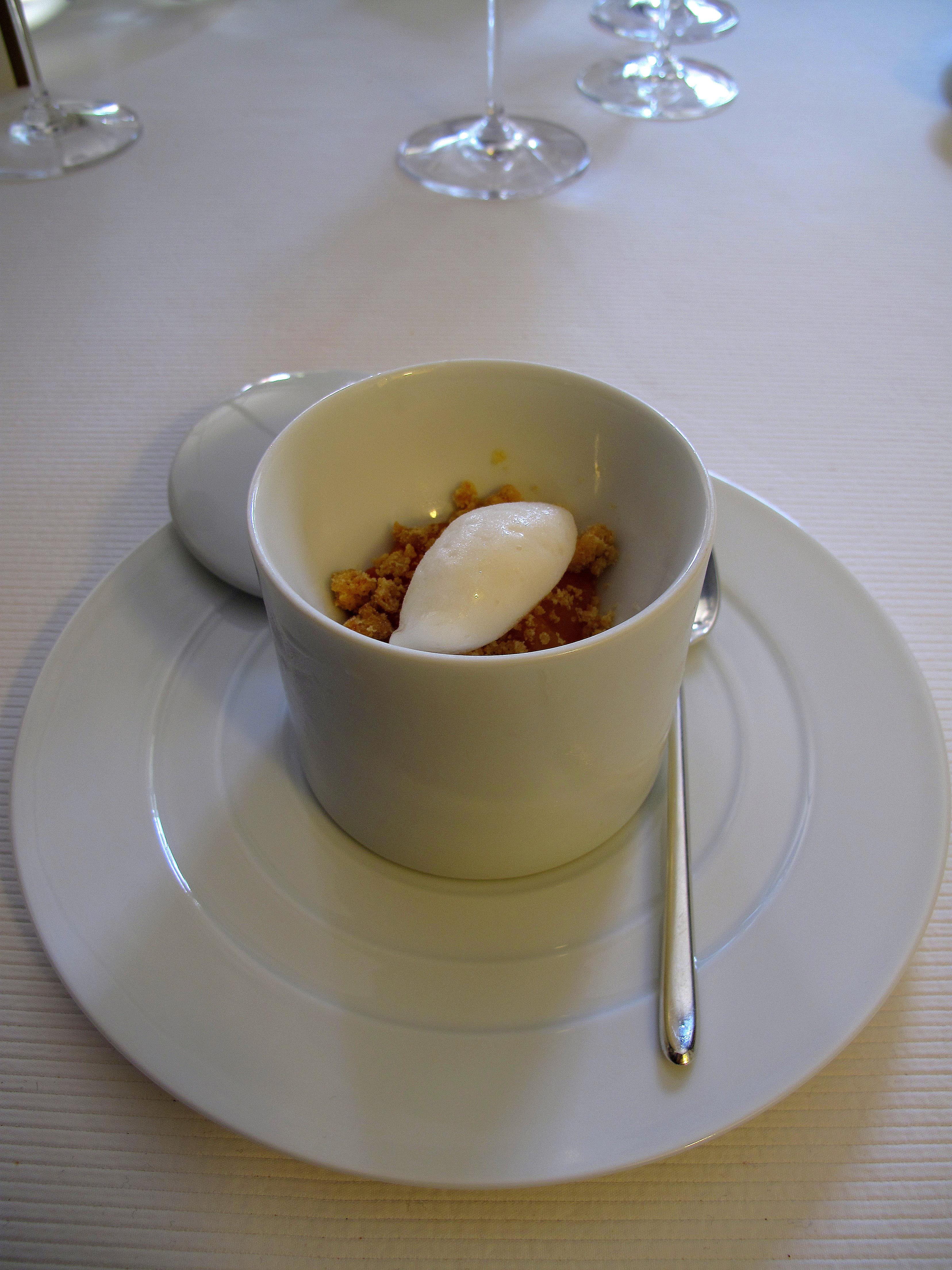 pic pre dessert sorbet d 39 abricots et crumble aux abricots. Black Bedroom Furniture Sets. Home Design Ideas