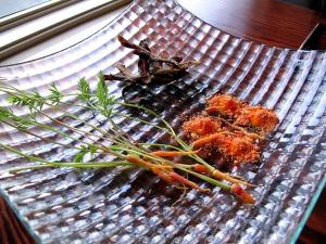 "Ubuntu - ""purple"" tapas - 'PURPLE HAZE' CARROTS raw with 'carrot cake' mousse, chips with mimolette powder"