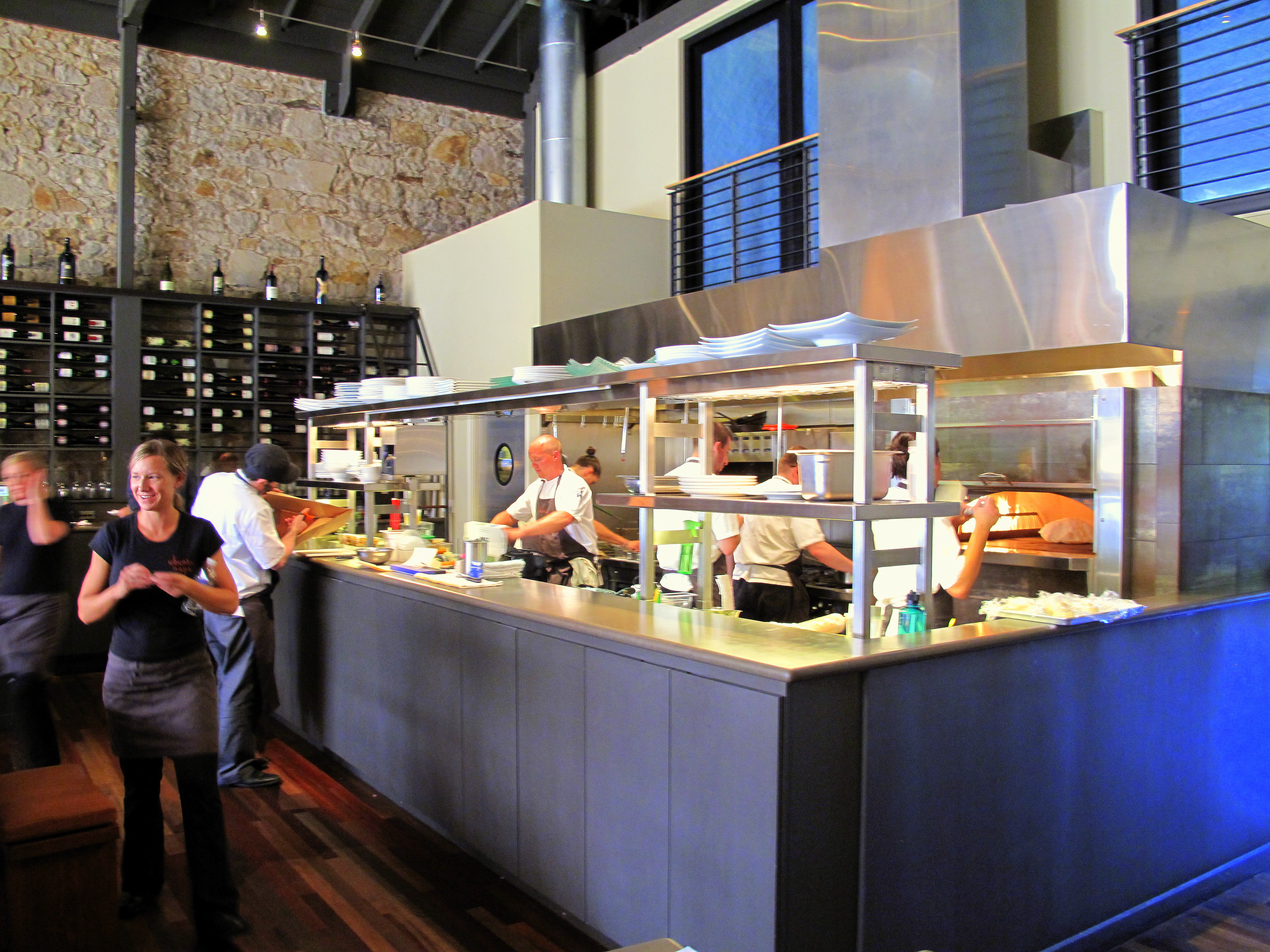 Ubuntu napa food snob for Open kitchen style